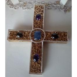 croce in argento e oro con pietre